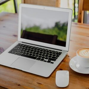 Home Office Office Laptop Business  - jmexclusives / Pixabay